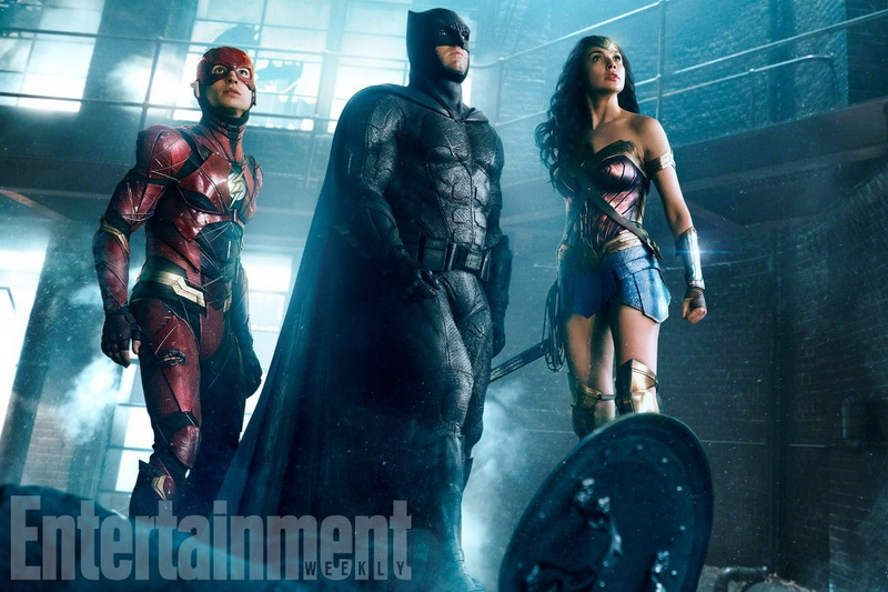 PENAMPILAN PERDANA FLASH, BATMAN & WONDER WOMAN DI JUSTICE LEAGUE
