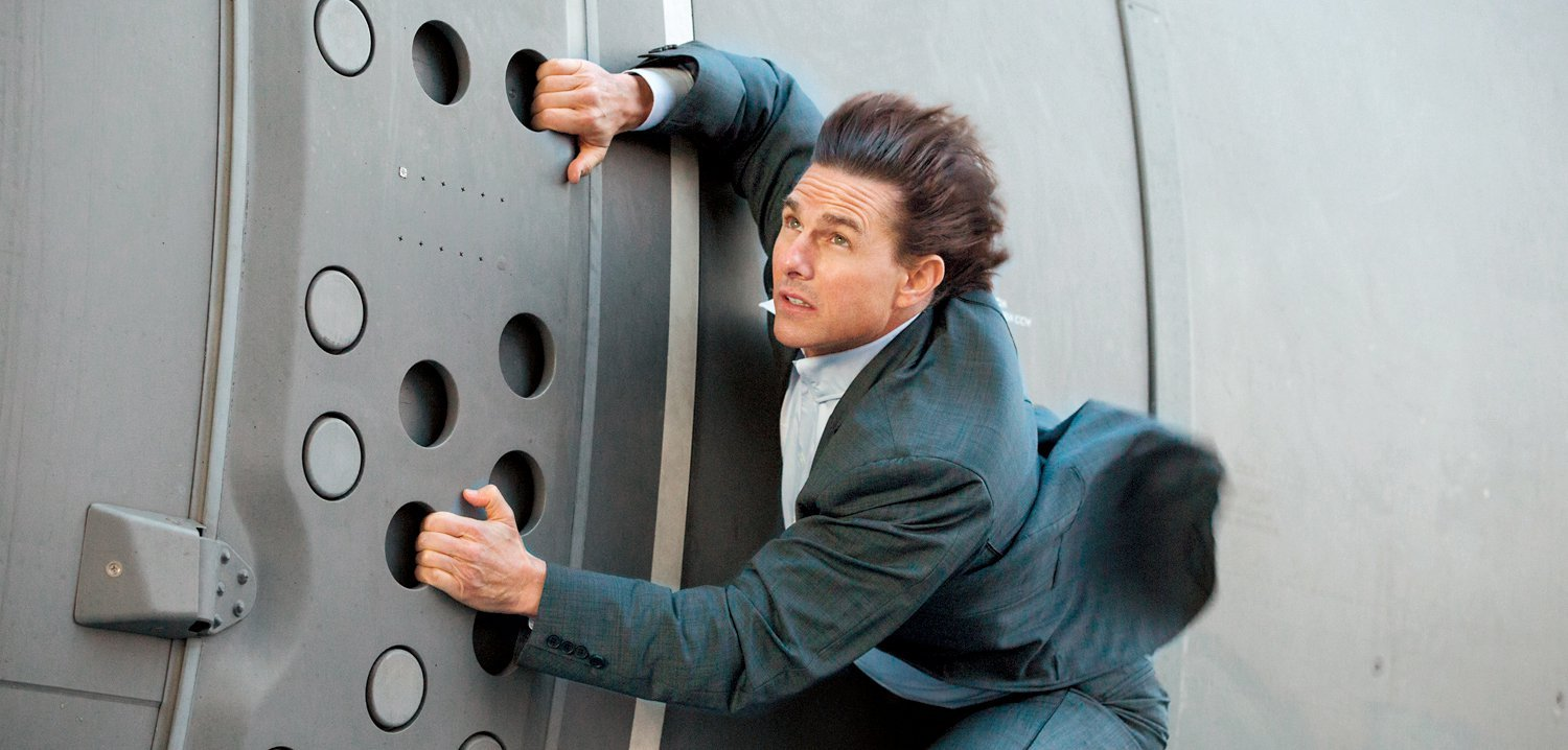 TOM CRUISE CEDERA DI MISSION: IMPOSSIBLE 6