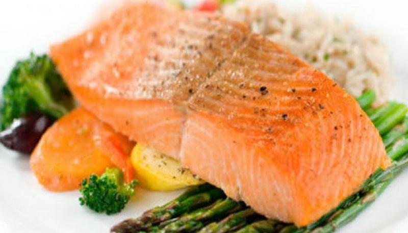 5 Makanan Super untuk Cegah Katarak