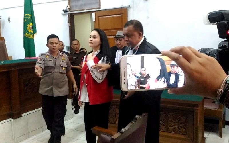 Jennifer Dunn Jawab Tuduhan Tagih Sabu dari FS