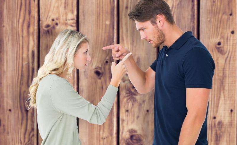 Menebak Gerak-gerik Pasangan Masih Memikirkan Mantan Kekasih