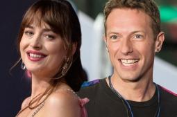 Chris Martin Putuskan Dakota Johnson Karena Tak Ingin Berkeluarga?