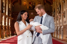 Perdana Muncul di Publik, Ini Arti Nama Anak Pangeran Harry-Meghan Markle