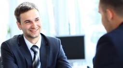 4 Tips Tampil Keren saat Wawancara Kerja
