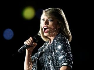 Taylor Swift Akan Buka Malam Puncak Grammy Awards 2016