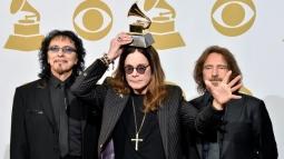 Hidup Gitaris Black Sabbath antara Tur dan Terapi Kanker