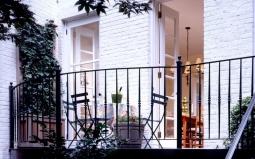 Tinggal di Apartemen, Hias Balkon Anda dengan Cara Ini