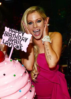 Congrats, Avril Lavigne Rayakan Ultah Yang ke-31