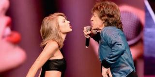 Waw! Nenek 72 Tahun Histeris Tonton Taylor Swift & Mick Jagger