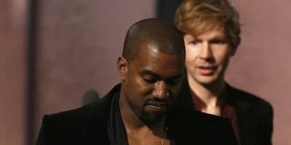 Beyonce Dikalahkan Beck, Kanye West Hampir Bikin Onar