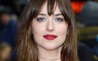 Dakota Johnson Tak Menyesal Main Fifty Shades of Grey