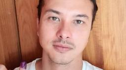 Nicholas Saputra Tepati Janjinya Untuk Selfie Saat Pemilu