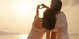 10 Alasan Mengapa Cinta Pertama Tak Pernah Mati