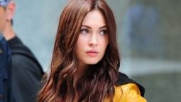 Hamil Anak Ketiga, Megan Fox Tunda Proses Perceraian