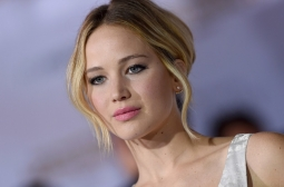 JENNIFER LAWRENCE HIATUS DARI DUNIA AKTING