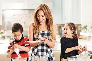 J-Lo Rayakan Ultah Anak Kembarnya