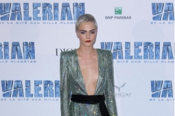 Kalahkan Kate Moss dan Kendall Jenner, Cara Delevingne Jadi Model dengan Bayaran Termahal, Sekira Rp 140 Miliar
