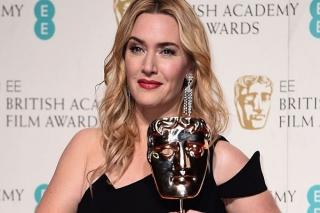 Kate Winslet Dedikasikan Penghargaan untuk Korban Bullying