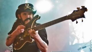 Lemmy Kilmister Diabadikan dalam Patung Perunggu