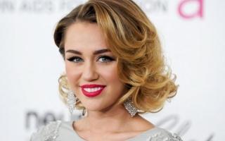 Susul Taylor Swift, Miley Cyrus Gabung ke The Voice Season 10
