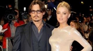 Pamer Cincin, Johnny Depp – Amber Heard Dikabarkan Sudah Menikah