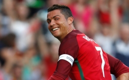 Sah! Ronaldo Legenda Piala Eropa