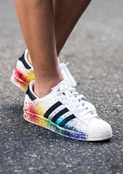 Bahaya Pakai Sepatu Tanpa Kaus Kaki