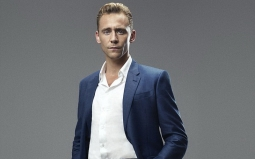 Temui Sutradara James Bond, Tom Hiddleston Siap Gantikan Daniel Craig?