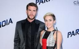 TERHEBOH: Liam Hemsworth dan Miley Cyrus Bakal Menikah di Musim Panas