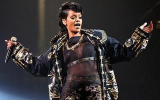 Suara Rihanna Terancam Hilang