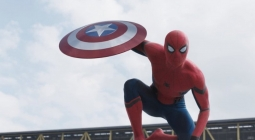 Tobey Maguire Puji Spider-Man Baru
