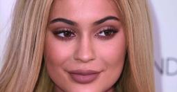 Wah, Kylie Jenner Hobi Pakai Produk Perawatan Pria