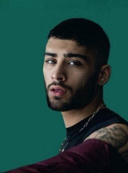 Zayn Malik Rilis Video Musik 'Satisfaction'